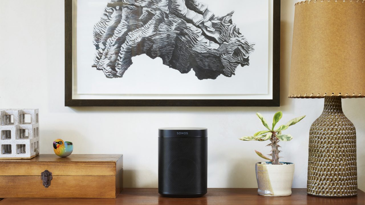 https://aktivdata.dk/wp-content/uploads/2018/09/Sonos_Lifestyle_RGB_Small_One_Black_2-1280x720.jpg