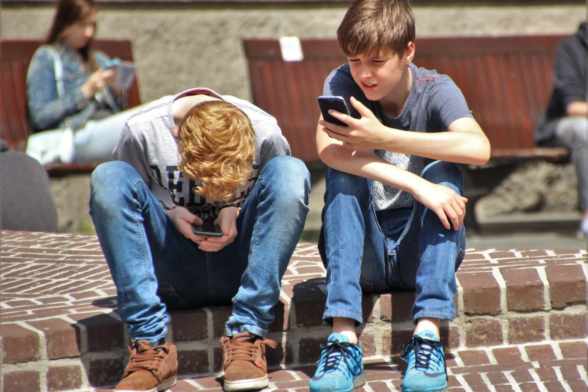 Frankrig forbyder smartphones i skoler